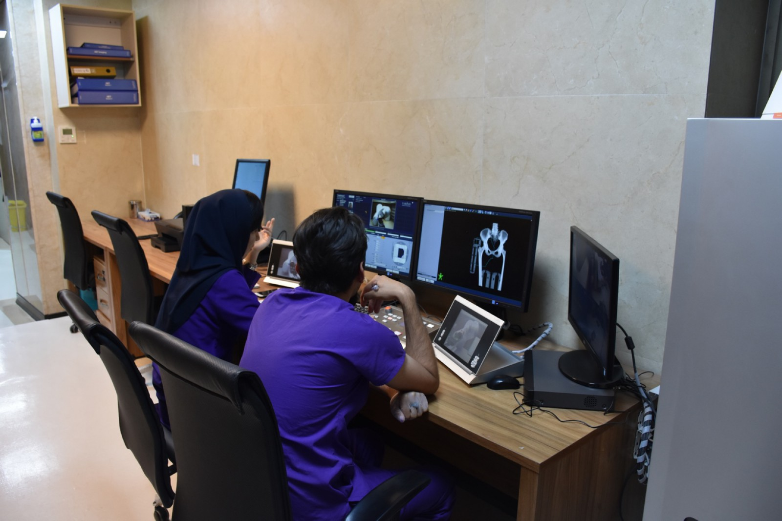 Features of the Pardis Cancer Institute Radiotherapy Department